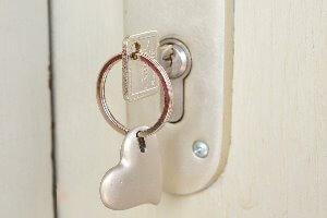 deur waar een steutel met een hart op zit voor webtoegankelijkheid